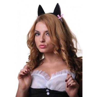 Чёрные ушки кошки с розовыми вставками